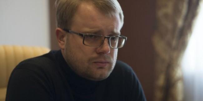 Украинцы облили вице-премьера Крыма кофе в Варшаве