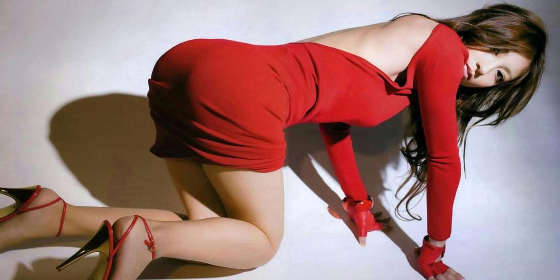 """""""Мои месячные не были такого цвета"""": женщин возмутил новый оттенок красного под названием """"Менструация"""""""