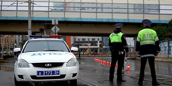 Под Волгоградом полиция устроила погоню за пьяным помощником прокурора на BMW X6