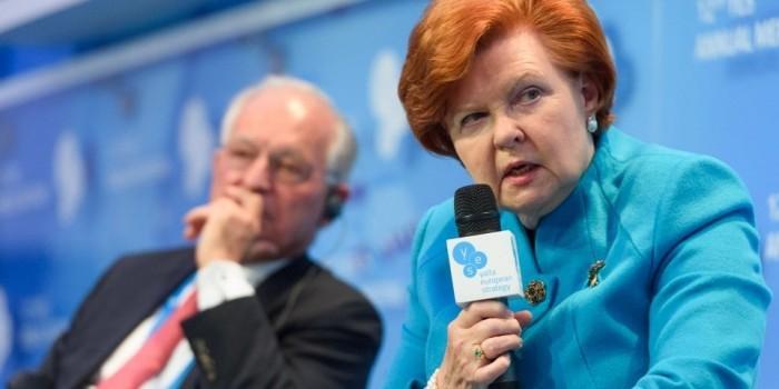 Экс-президент Латвии назвала своих земляков злобными и завистливыми ненавистниками