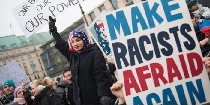 """В США миллионы человек вышли на """"марш женщин"""" протестовать против Трампа"""