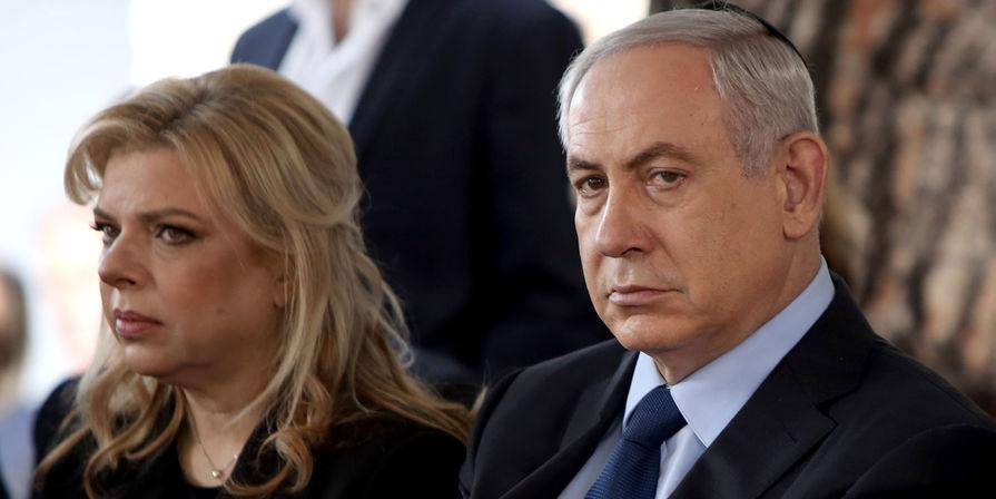 Семью Нетаньяху уличили в перевозке чемоданов грязного белья ради бесплатной стирки