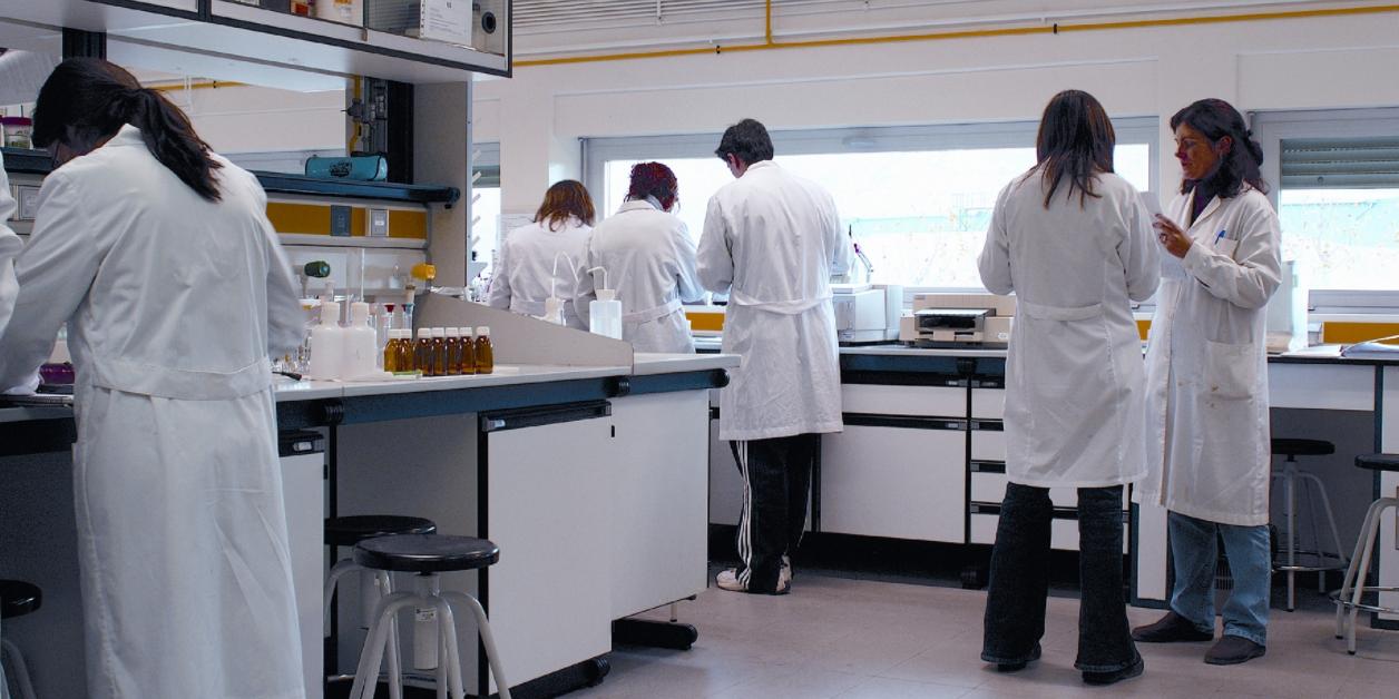 Российские ученые разработали инновационные лекарственные импланты