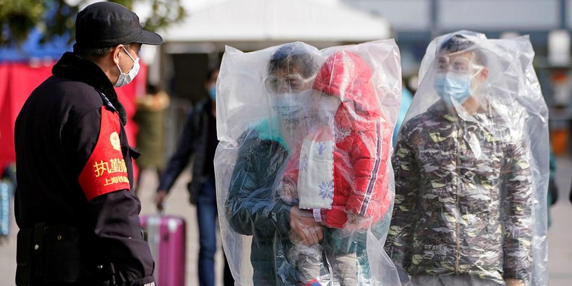 Число жертв коронавируса в Китае превысило 1000
