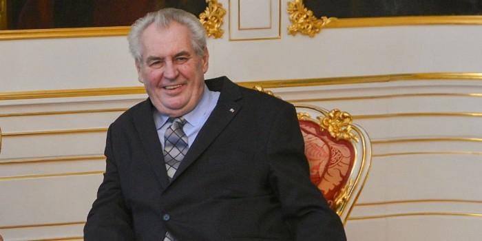 """Президент Чехии признал себя """"агентом Путина"""""""