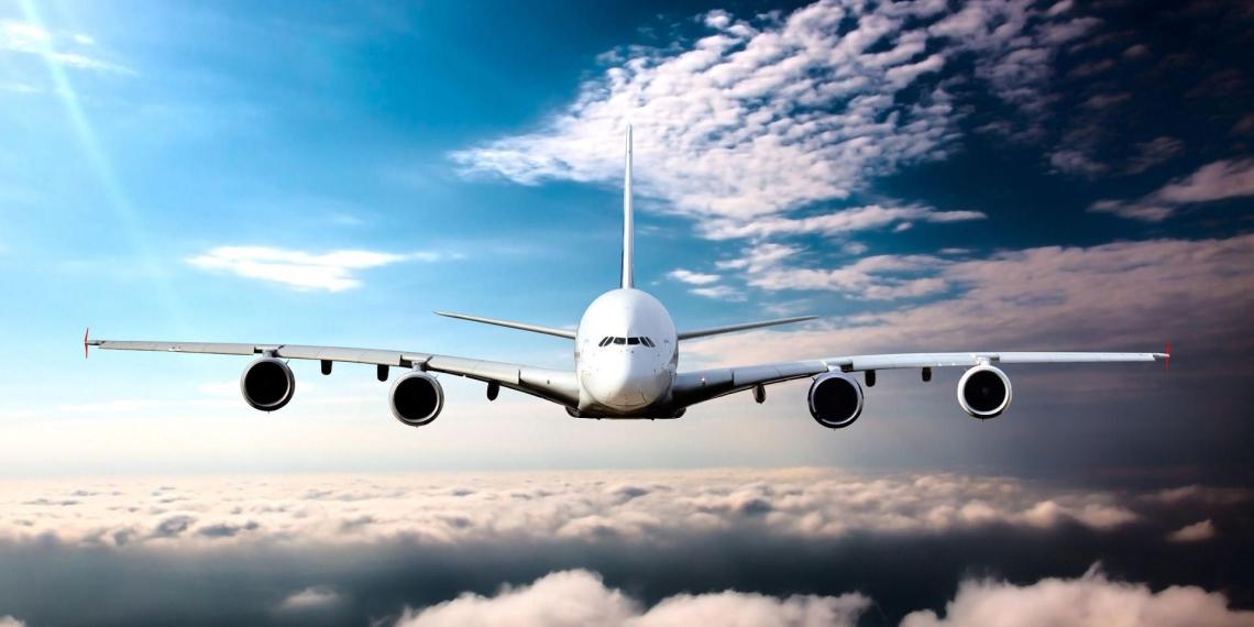 Заслуженный летчик пообещал последствия для ЕС за отказ летать над Белоруссией