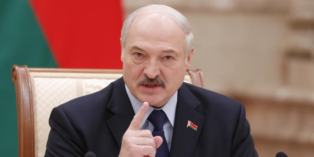 Лукашенко заговорил о выдворении иностранных СМИ из страны