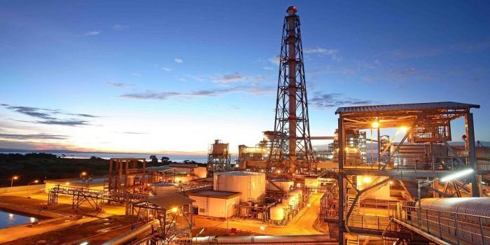 Россия и Саудовская Аравия пришли к соглашению о заморозке нефтедобычи