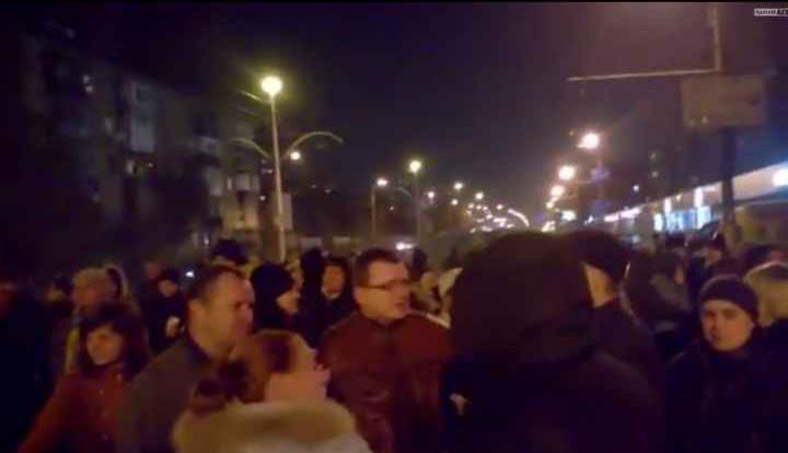 Жители Киева перекрывают дороги из-за отсутствия отопления и света