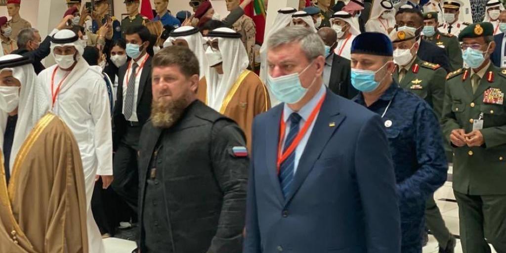 Премьер Украины потребовал срочных объяснений от своего заместителя по поводу снимка с Кадыровым