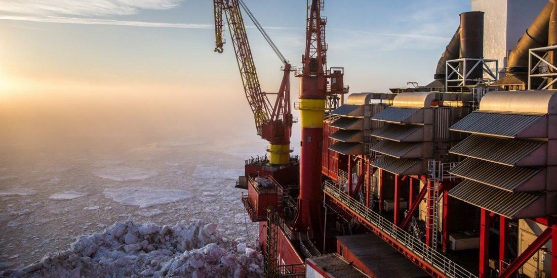 Россия и Саудовская Аравия договорились о существенном сокращении нефтедобычи