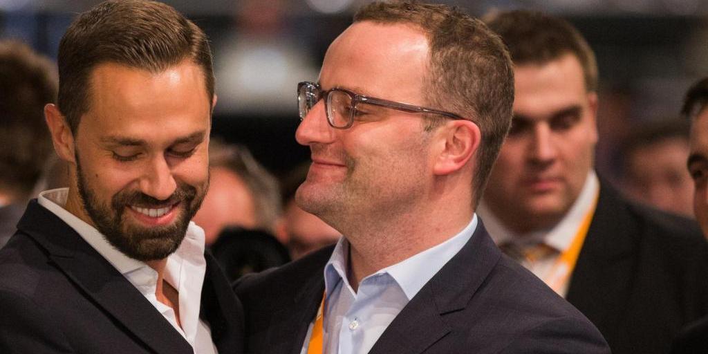Немецкий минздрав уличили в покупке масок через фирму мужа министра