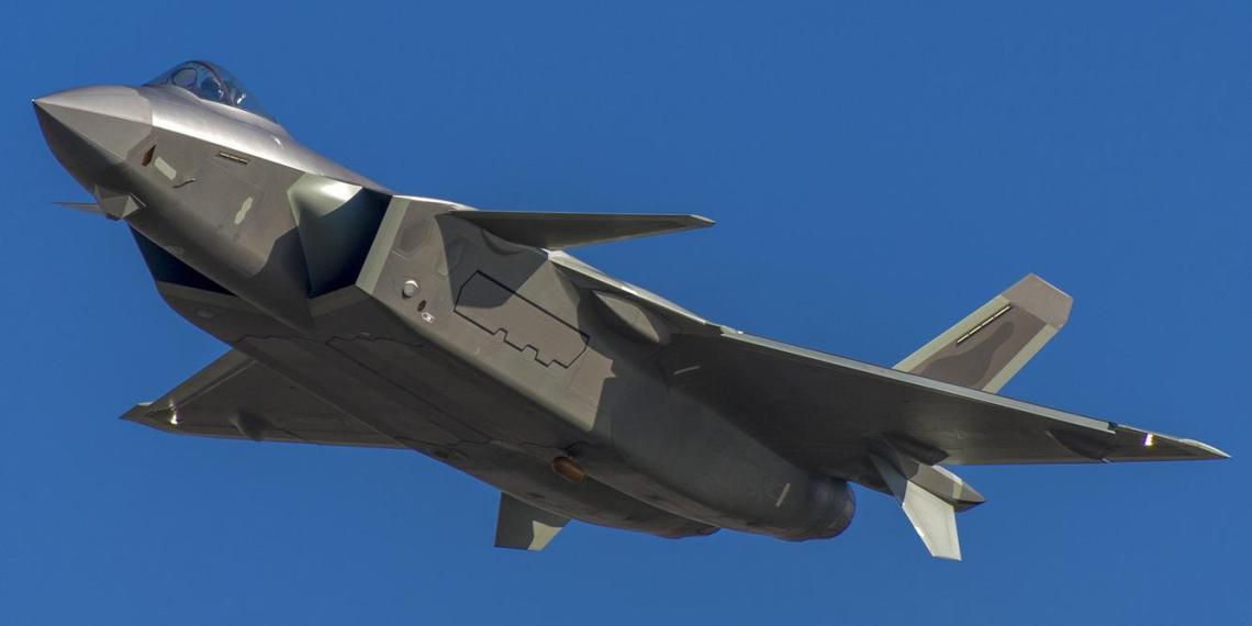 Британцы указали на превосходство Китая над Россией в боевых самолетах