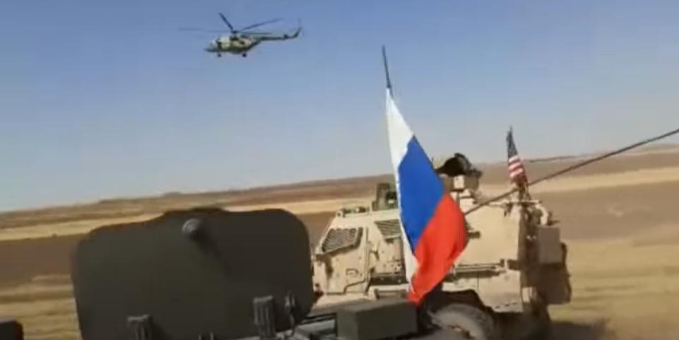 Появилось видео, на котором российские военные гоняют американский патруль в Сирии