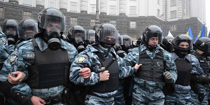 """На Украине задержаны трое сотрудников """"Беркута"""", подозреваемых в расстреле Майдана"""