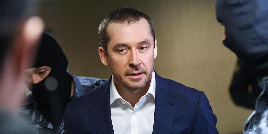 Семью экс-полковника Захарченко выселили из квартиры в Москве