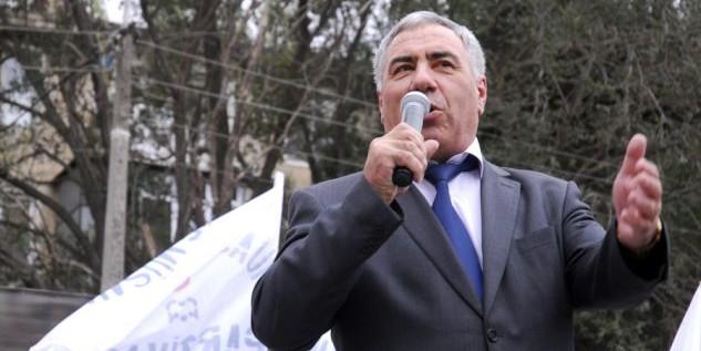 Кавказский политик призвал обливать кислотой мужчин в шортах