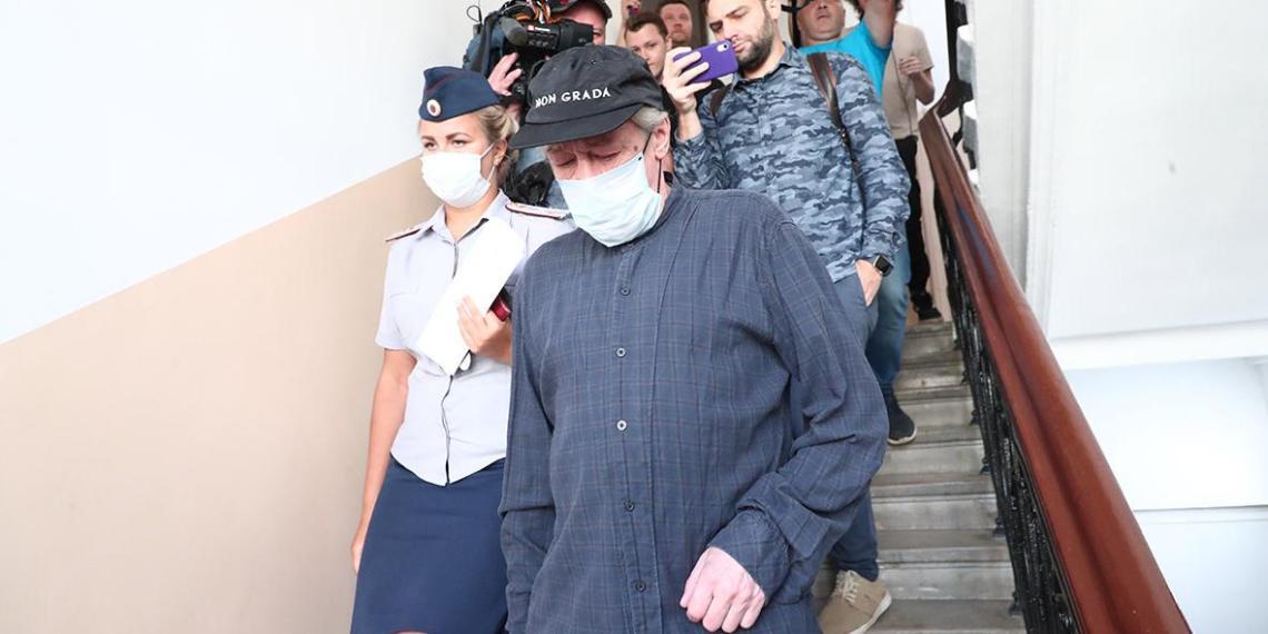 Ефремов пожаловался на подставившего его адвоката