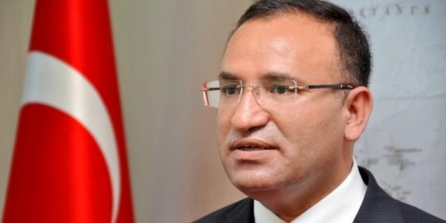 """""""Сами евреев сжигали, а нам нечего стыдиться"""": министр юстиции Турции обвинил Германию в двойных стандартах"""