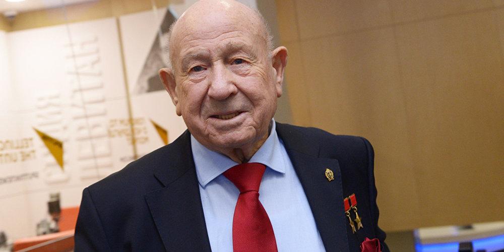 Связанный с Baring Vostok космонавт Леонов уехал из страны
