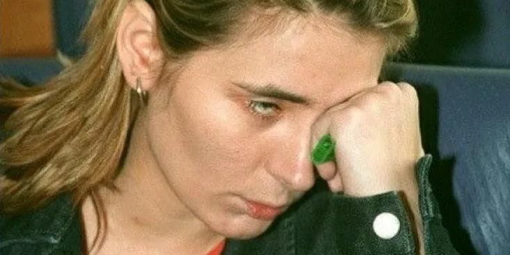 """Неизвестную песню Земфиры конца 90-х слили в Сеть. Она посвящена мебельному салону """"Джимал"""""""