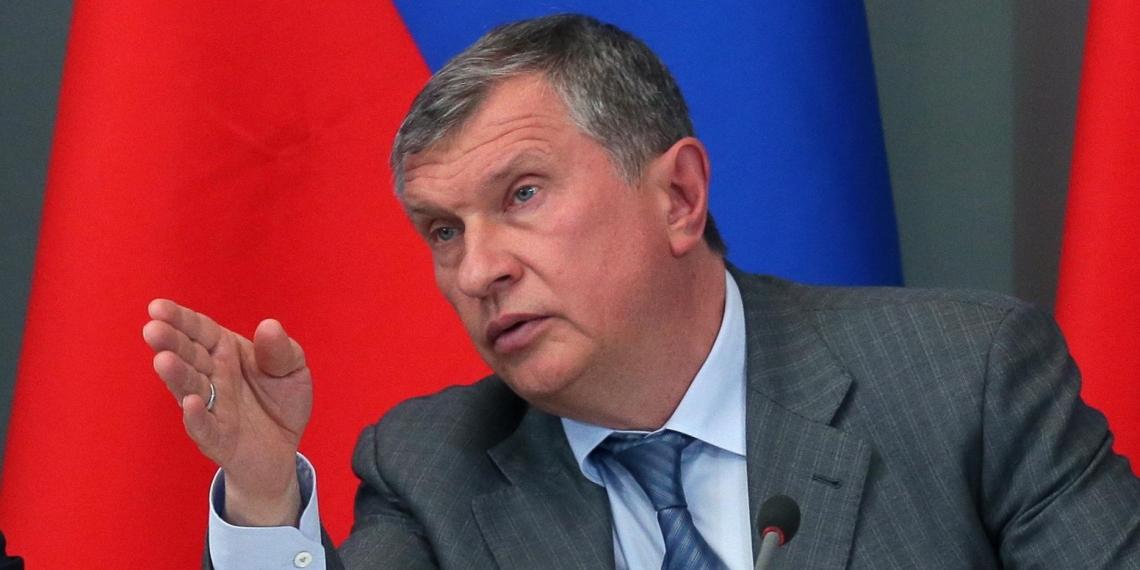 """Сечин назвал """"профессиональным кретинизмом"""" обнародование разговора с Улюкаевым"""