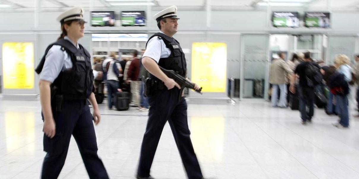 Times: Германия пытается запретить всем британцам въезд в Евросоюз