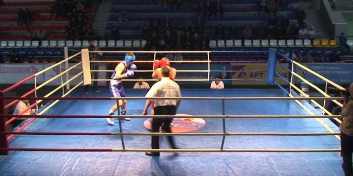 Христос и Мединский бились за звание чемпиона России по боксу