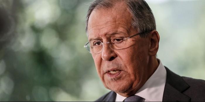 Лавров ответит на решение США приостановить выдачу виз в России