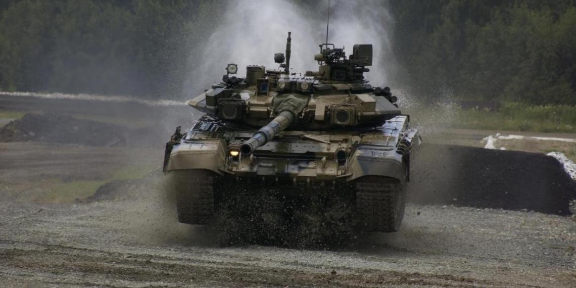 """В Индии """"засветилась"""" самая редкая версия российского танка Т-90С"""