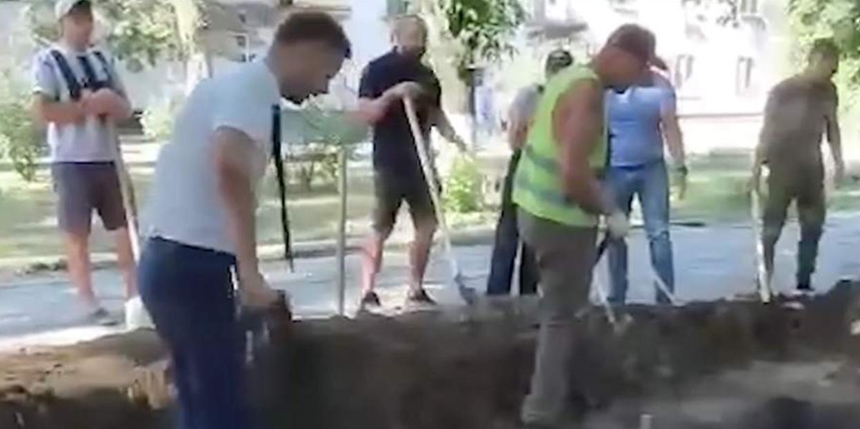 В Ростовской области местные жители закопали вырытую археологами яму, испугавшись вышек 5G