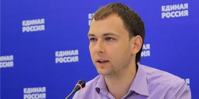 """В первой половине дня в голосовании """"Единой России"""" приняли участие более 3 млн россиян"""
