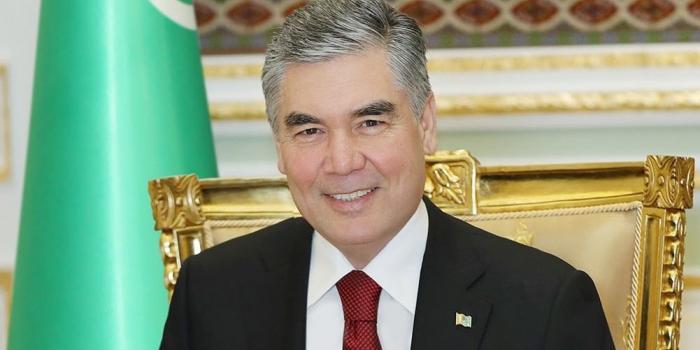 Туркменских чиновников обязали поседеть, чтобы соответствовать президенту