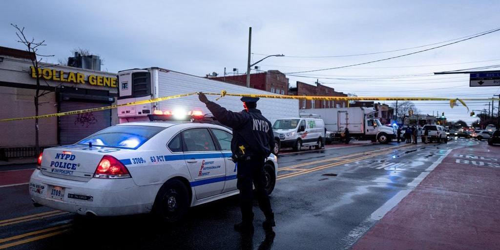 В Нью-Йорке обнаружили грузовики с десятками разлагающихся трупов