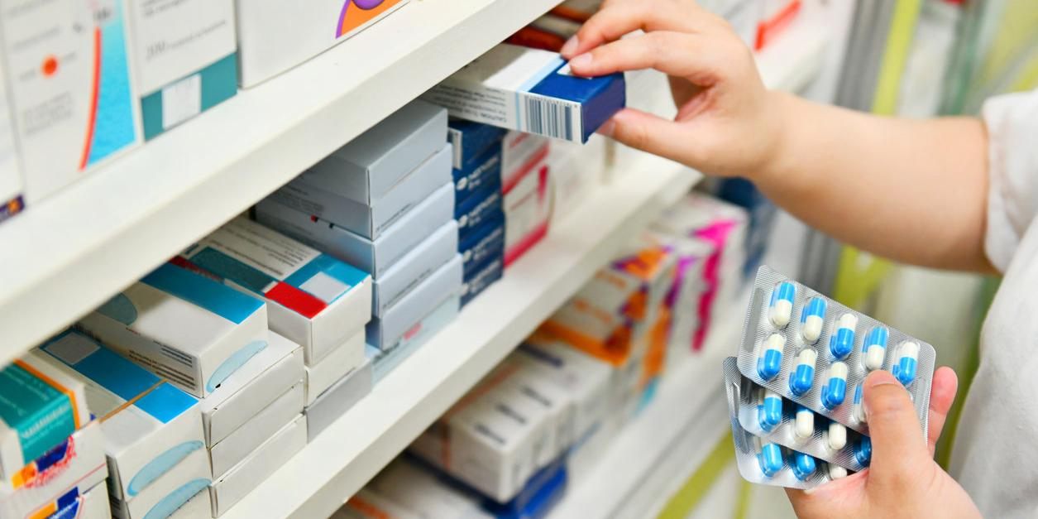 В российских аптеках рекордно рухнули продажи