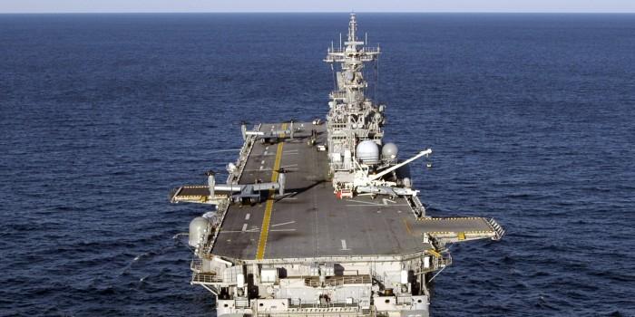 США направили два десантных корабля в Средиземное море