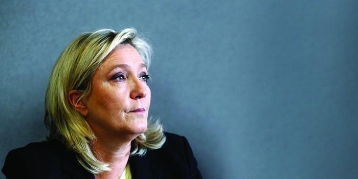 В Париже подожгли штаб-квартиру Марин Ле Пен