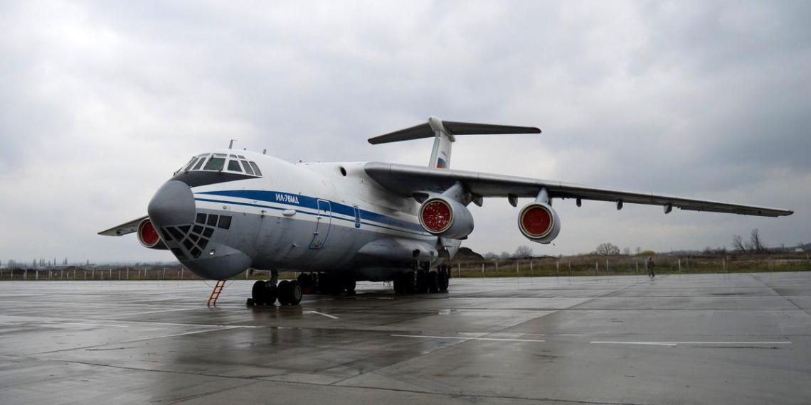 В Италию прибыли первые самолеты ВКС России для помощи в борьбе с Covid-19
