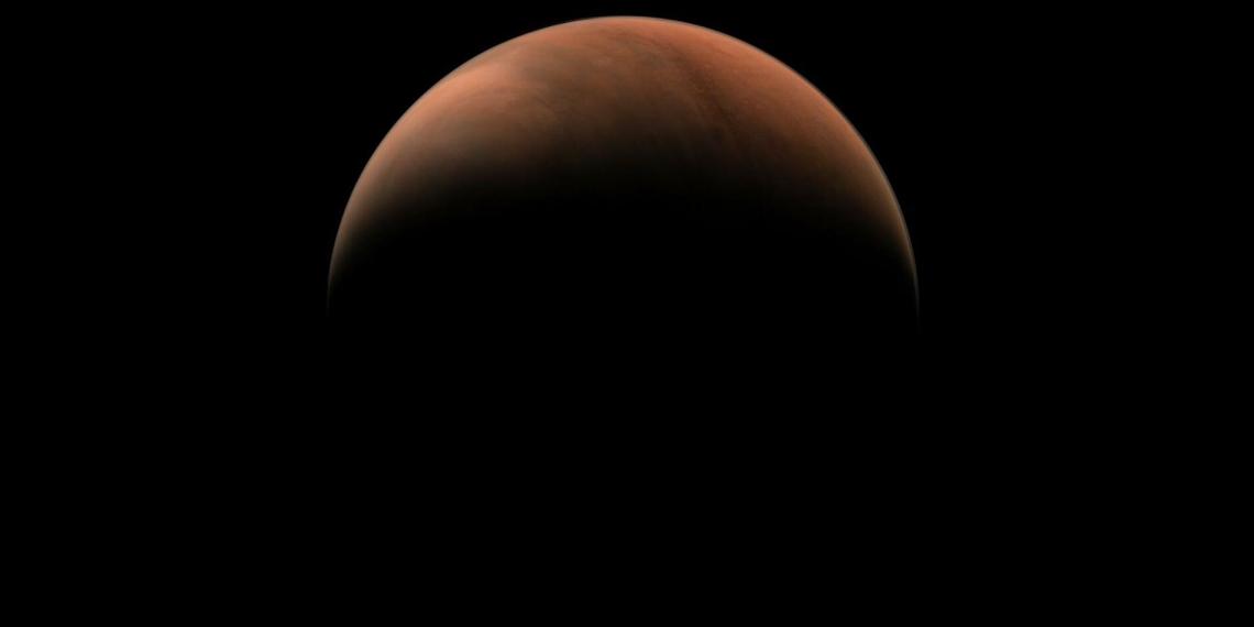 """Китайский зонд """"Тяньвэнь-1"""" прислал новые снимки Марса"""