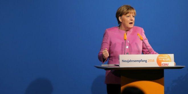 Меркель считает конфликт на Донбассе гражданской войной