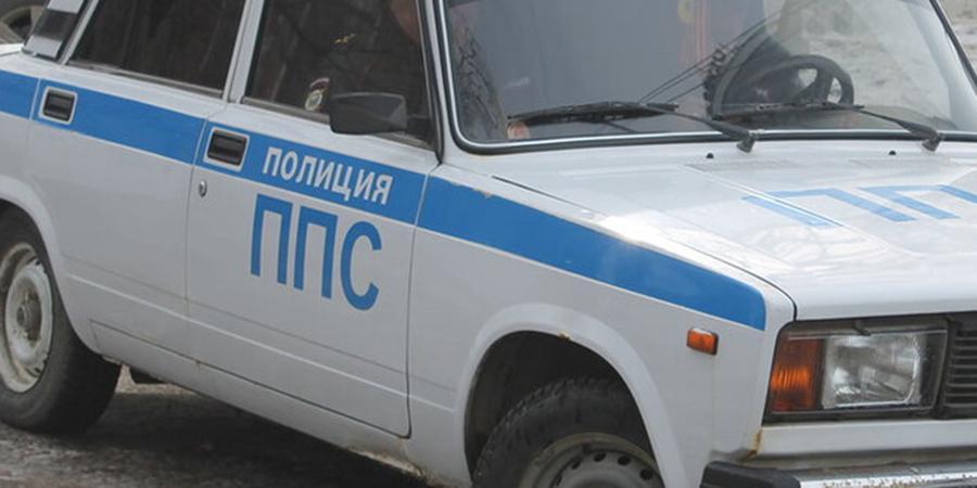 """В Москве полицейские пригрозили сыну главреда Cosmopolitan """"отбить почки"""" и отобрали 8 тысяч"""