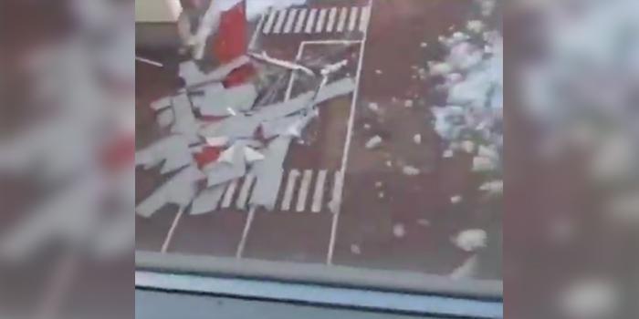 В белгородской гимназии обрушилась часть крыши