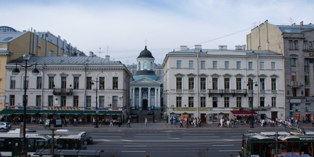 Чиновников комитета культуры Петербурга заподозрили в махинациях со старинными зданиями