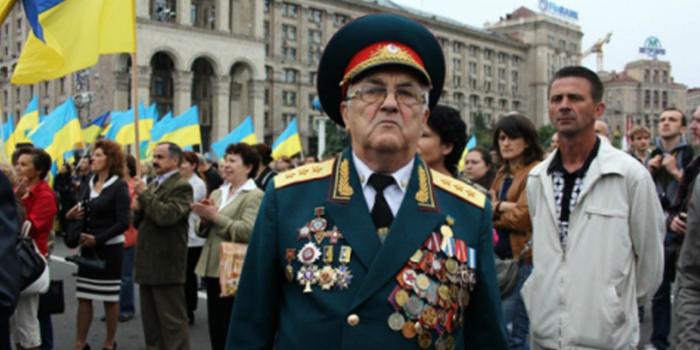 За празднование Дня Победы выступают 78% населения Украины
