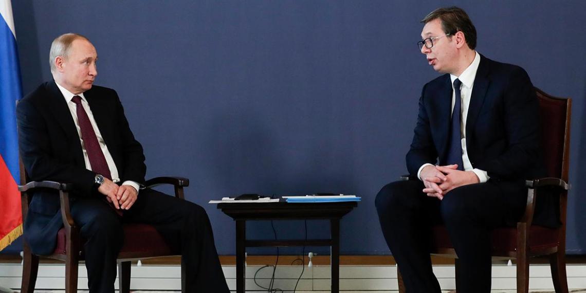 Скандальный пост Захаровой заставил Путина извиняться перед президентом Сербии