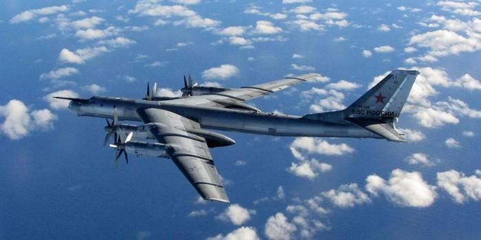 СМИ: российские бомбардировщики подлетели к берегам Аляски беспрепятственно