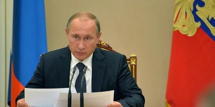 Путин потребовал разобраться с властями двух регионов за срыв расселения ветхого жилья