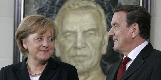 """Меркель раскритиковала намерение Шредера войти в совет директоров """"Роснефти"""""""