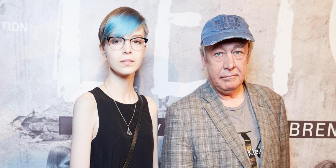 Экс-супруга Ефремова: дочь хочет посадить отца в тюрьму, а меня — в психушку