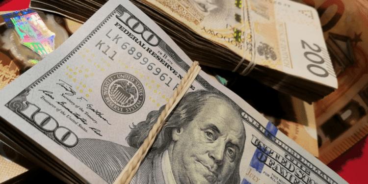 России предрекли рост числа долларовых мультимиллионеров